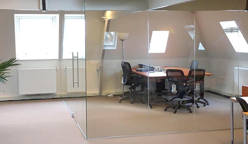 Glason glazenscheidingswand